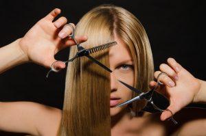 Jak vybrat nůžky na vlasy?